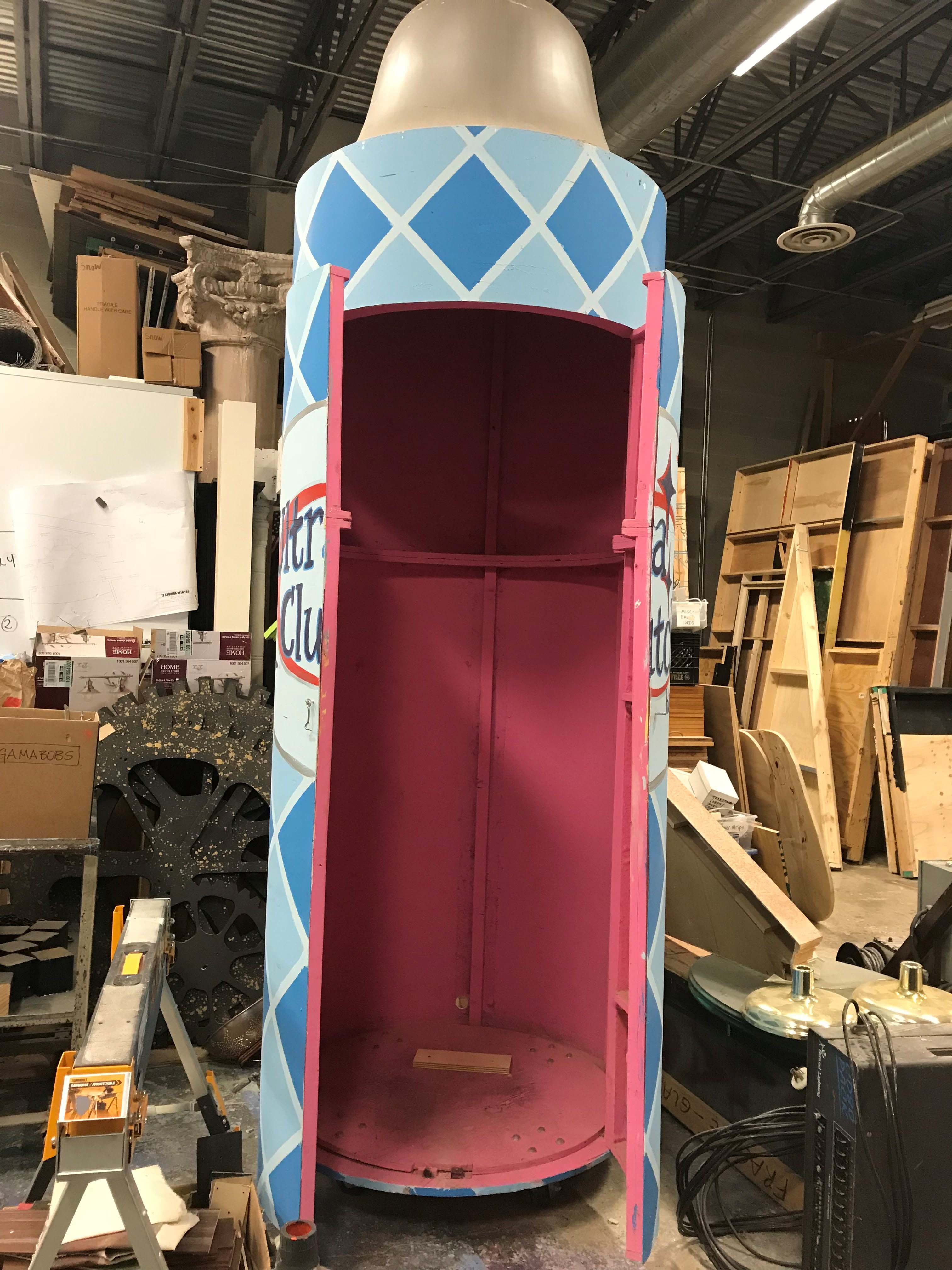 Mamma Mia Rental set - Fourth Wall Scenic 800-890-4525