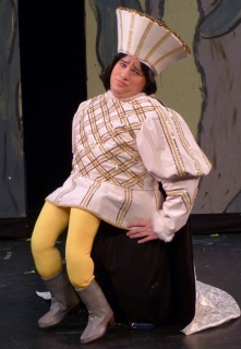 Shrek the Musical - Farquaad Legs and Wedding Outfit