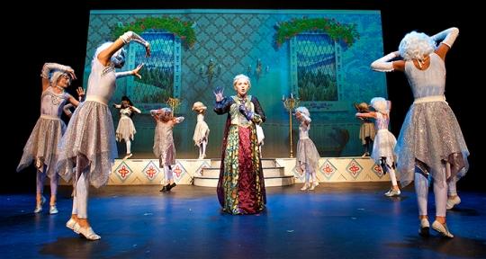 Elsa Coronation and Snow Chorus