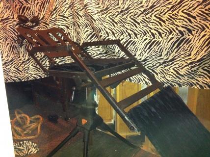 BTC Sweeney Todd swivel barber chair