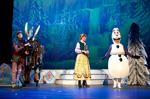 Kristoff, Large Sven, Anna, Olaf