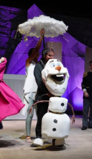 Olaf with flurry Frozen Sven