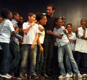Corbin Bleu with participating students.